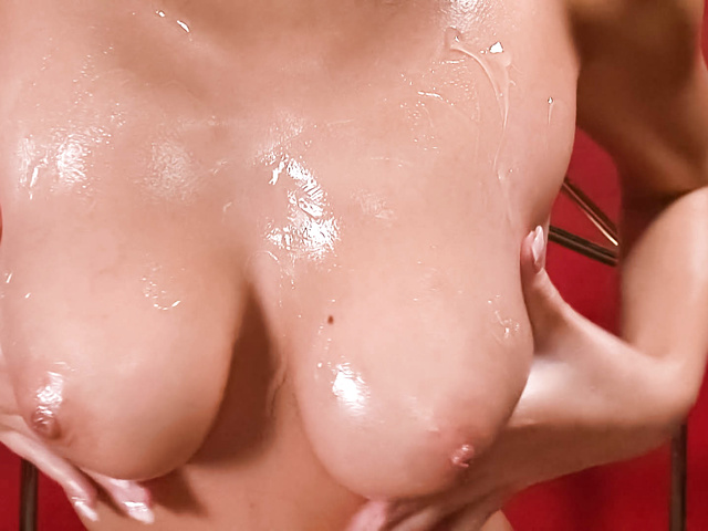 Sumire Matsu - Sumire Matsu with oiled body sucks tool - Picture 5