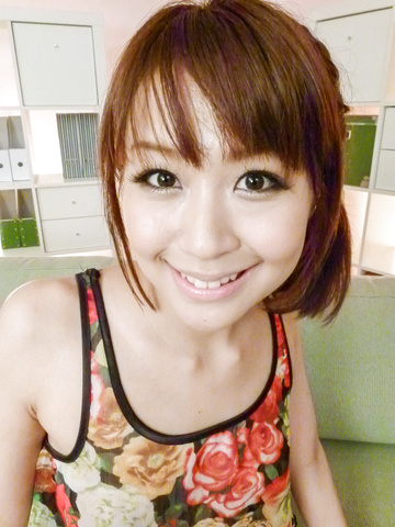 Maika - 性感的日本脉卡享有充分口交的乐趣 - 图片 2