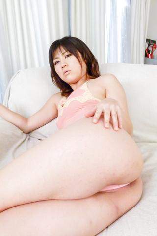 Kyoka Mizusawa - An asian fingering and vibrator has Kyoka Mizusawa cumming - Picture 9