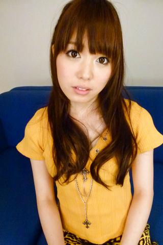 Moe Sakura - Moe Sakura gives guys a japan blowjob while masturbating - Picture 2