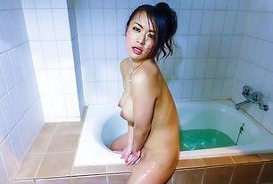 Asian mature sex movie with Kaede Niiyama