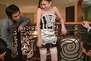 Maki Horiguchi - 由苗条 Maki Horiguchi 双亚洲口交 - 图片 3