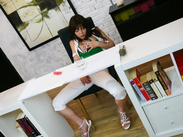 Karen Natsuhara - Karen Natsuhara gives a japan blowjob for facials in group sex - Picture 5