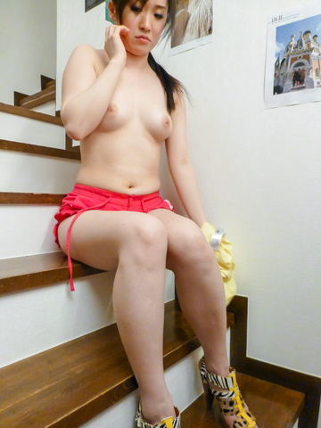 Yuka Wakatsuki - Teen cutie Yuka Wakatsuki gives an asian blowjob to two guys - Picture 4