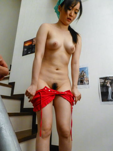 Yuka Wakatsuki - Teen cutie Yuka Wakatsuki gives an asian blowjob to two guys - Picture 5