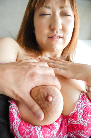 Mayumi - Big MILF naturals on Mayumi bounce during sex after giving an asian blow job - Picture 9