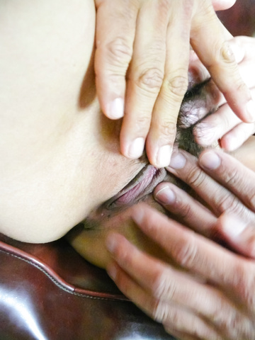Anri Hoshizaki - 杏里 Hoshizaki 亚洲女孩吸吮公鸡后振动性 - 图片 6