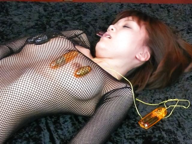 Yumemi Tachibana - Yumemi 立花美给亚洲口交和由两个奶油 - 图片 1