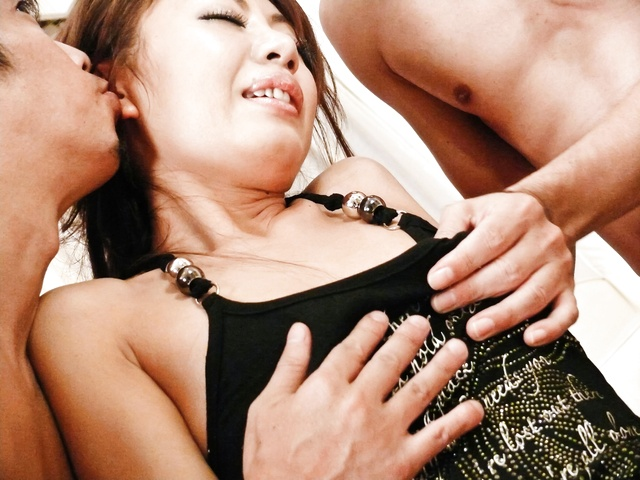 Mio Hiragi - Stunning and sexy Asian babe pussy fondled and double penetrated - Picture 7
