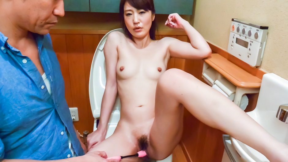 Phim Sex Japanese dildo makes Ryouka Shinoda happy