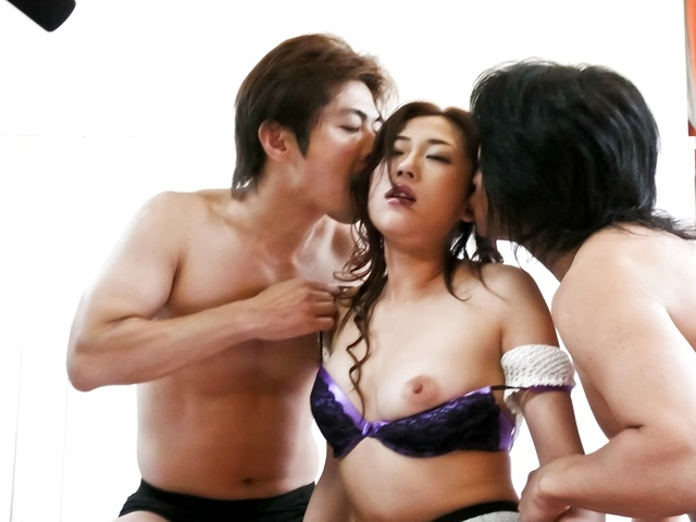 Yuu Uehara - Between two cocks there is no time to rest for Yuu Uehara - Picture 1