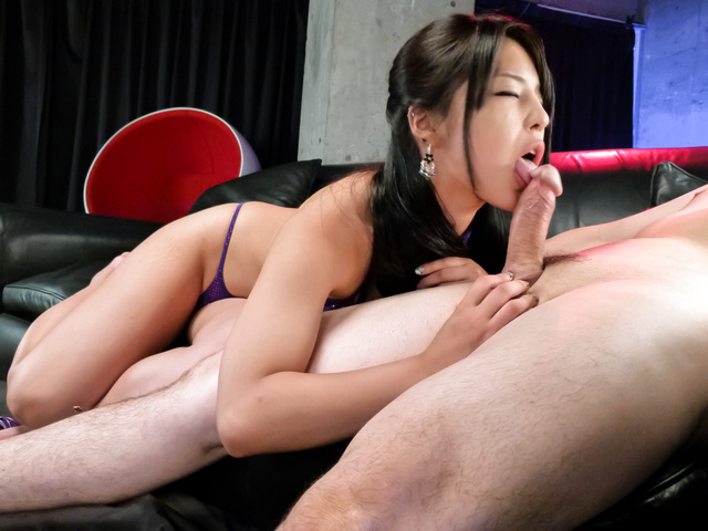 Eririka Katagiri - Eririka Katagiri gives unique and exclusive blowjob - Picture 11