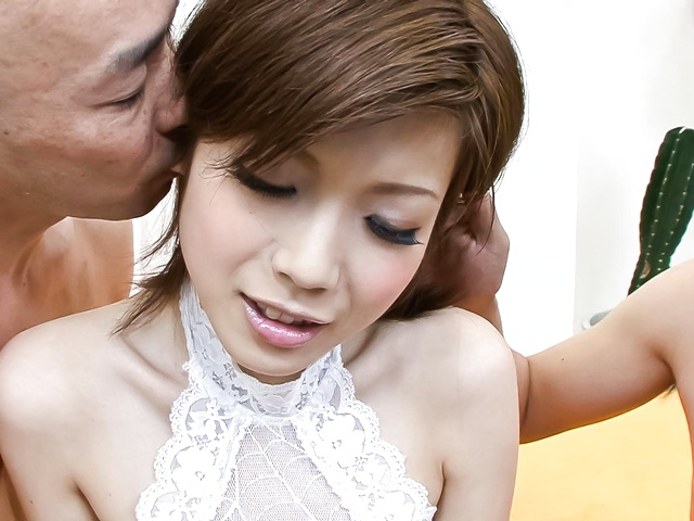 佐々木マリ - 癒し系美乳ギャルは騎乗位でイキまくり - Picture 2