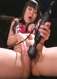Nene Masaki Asian has huge squirt after teases twat with vibrator