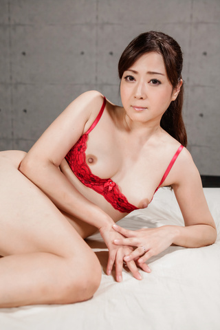 Mizuki Ogawa - Mizuki Ogawa's scorching hot threesome ends in an asian creampie - Picture 1