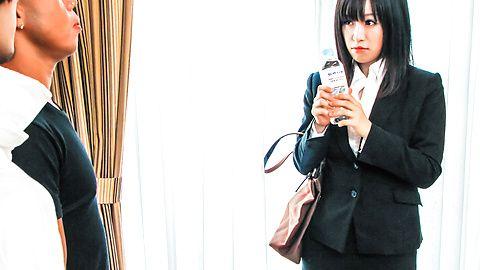 営業ウーマン京野結衣~フェラ&中出し
