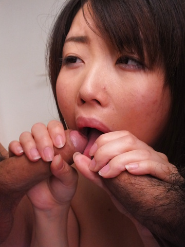 Airi Sawada - Airi Sawada has japanese blow jobs and a shaved pussy for two dicks - Picture 12