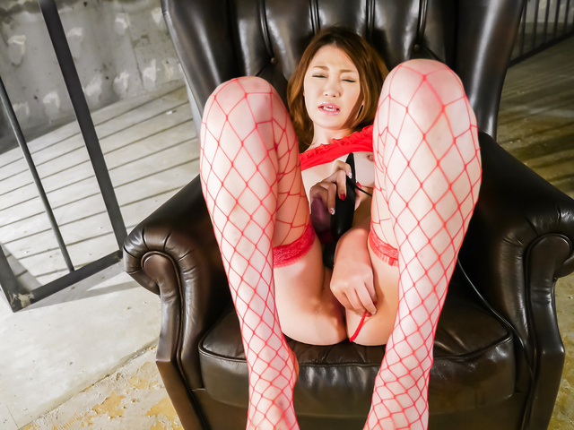 Airi Mizusawa - Japanese vibrator makesAiri Mizusawa to reach orgasm - Picture 8