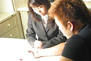 Haruka Aoi - 遥 Aoi 有顽皮的想法和获取三人性中奖励 - 图片 1