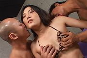 Yui Komine - Yui Komine creampied after fucked raw in her slit - Picture 5