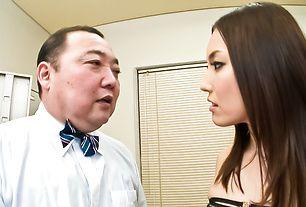 Hot Japanese model Mashiro Nozom gets her pussy busy