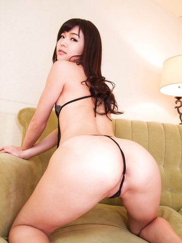 Megumi Shino - Megumi Shino is fucked like crazy in twat - Picture 2