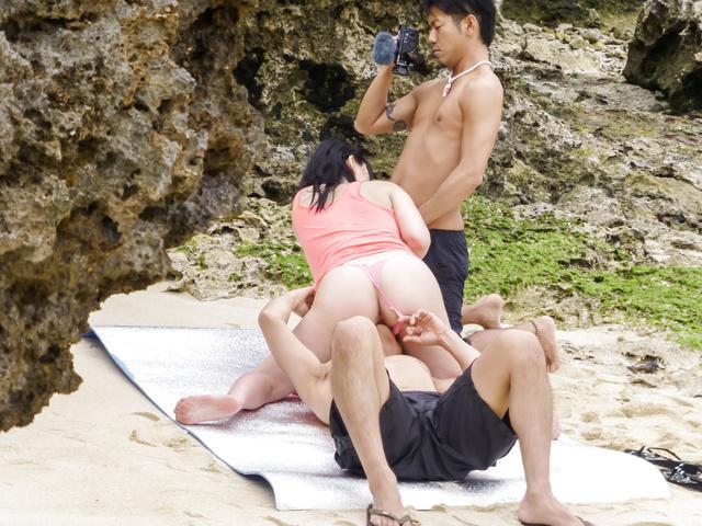 Megumi Haruka - Busty Megumi Haruka gives a japan blowjob and fucks outdoors - Picture 5