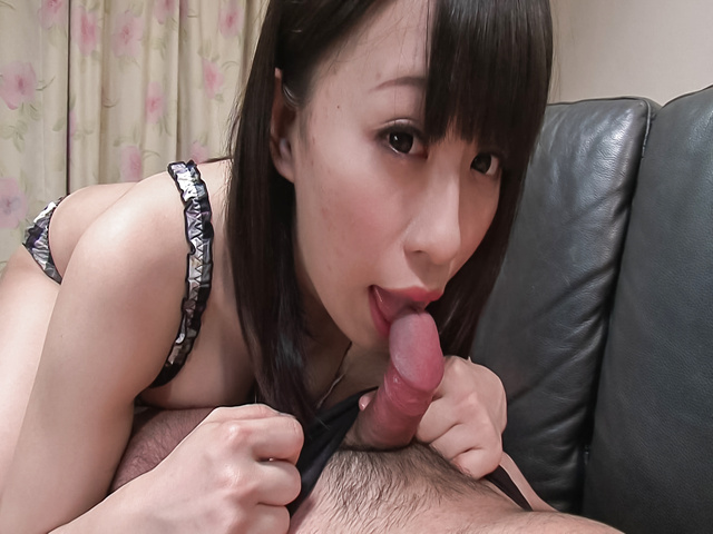 Yui Kyouno - Yui Kyouno pleases hunk with full oral session - Picture 7