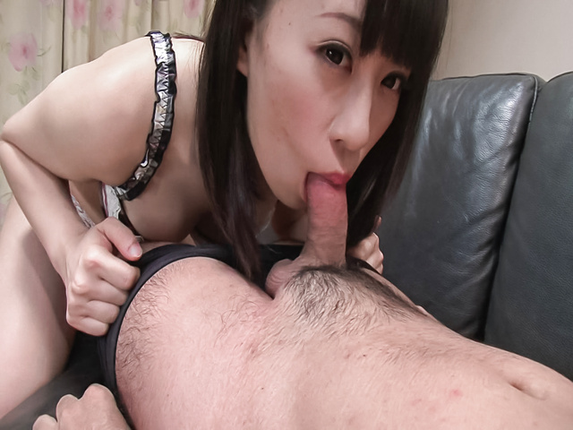 Yui Kyouno - Yui Kyouno pleases hunk with full oral session - Picture 8