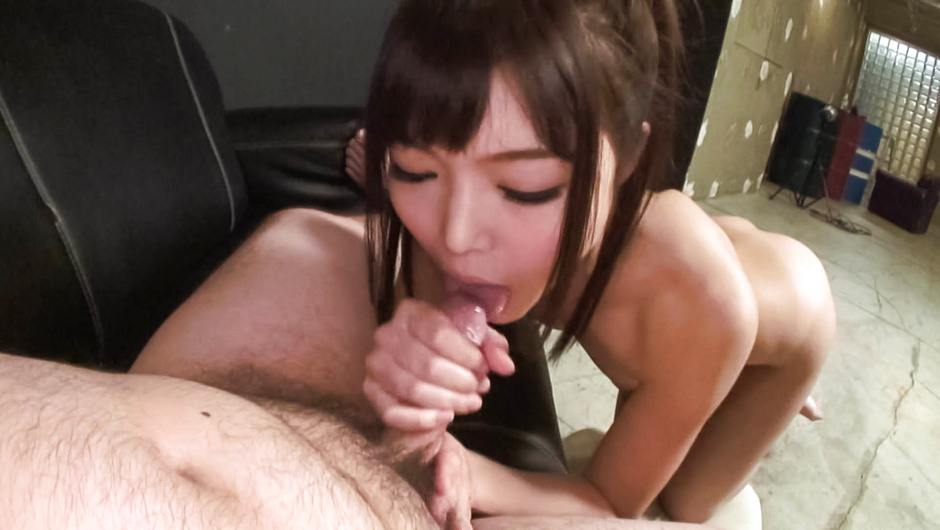 Megumi Shino licks stiffy so erotically