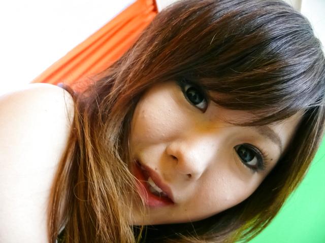 Miku Airi - 害羞的日本女孩 Miku Airi 获取扩在三人行 - 图片 1
