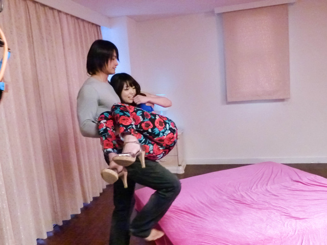 Megumi Shino - Horny teen Megumi Shino gives an asian blowjob and takes a fucking - Picture 4