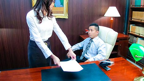 Classy Japanese babe Ibuki got some other office skills