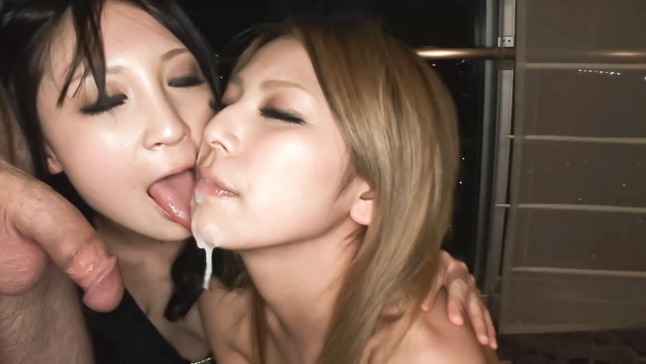 Sakura Kiryu & Akari Kimishima in blowjob action.